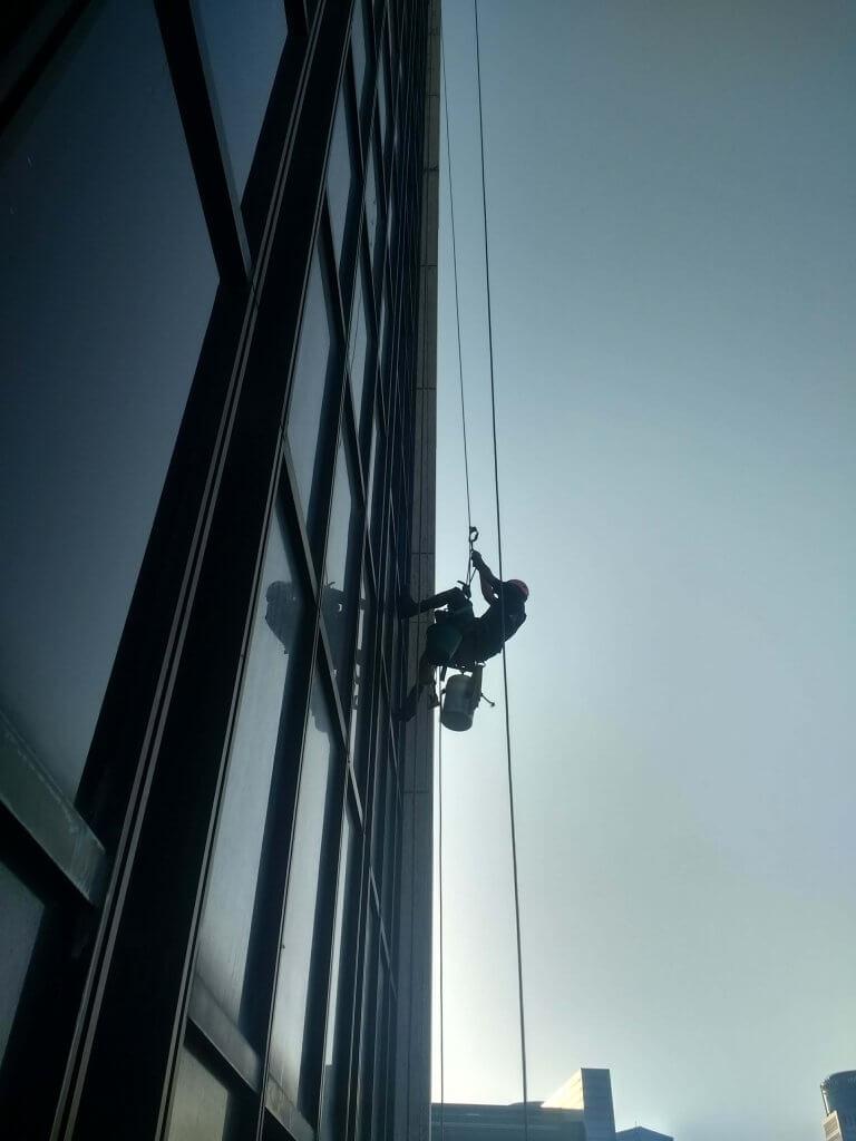 מרום צוק - עבודות בגובה