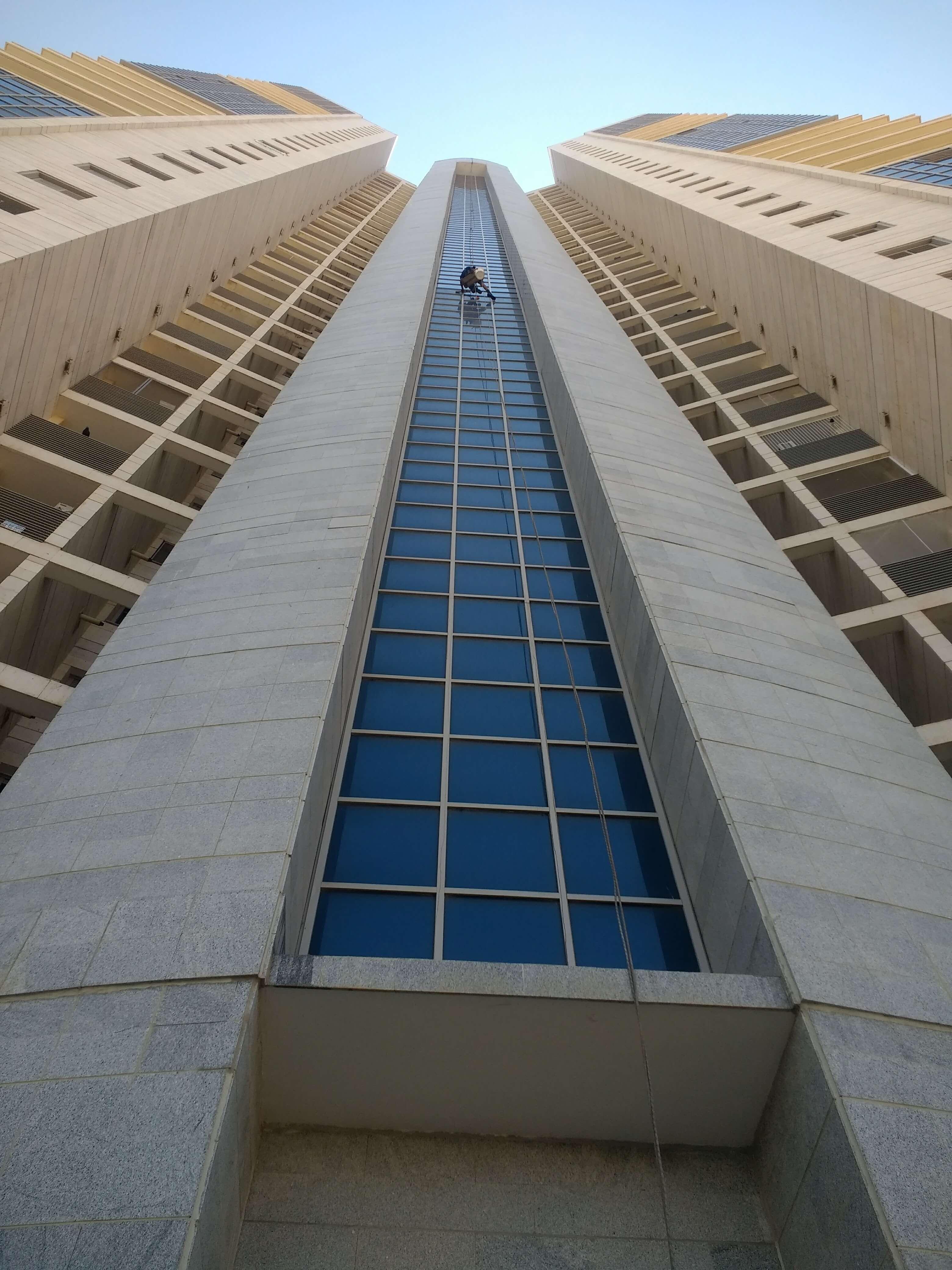 עבודת סנפלינג במבנים גבוהים